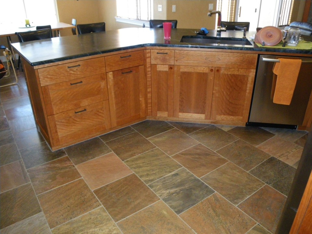 Kitchen Floor Tile With Oak Cabinets
